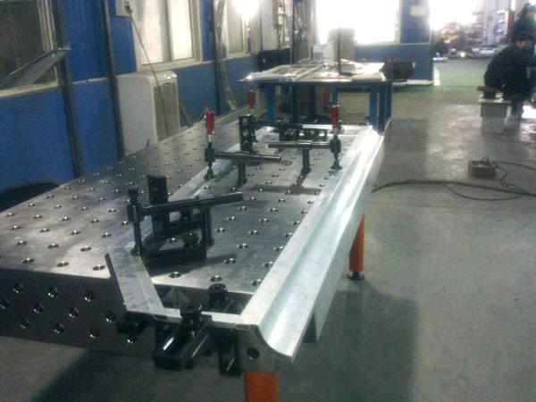 三维铸铁焊接平台